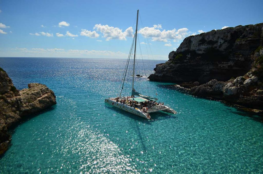 Beautiful-private-catamaran-tour-on-Mallorca