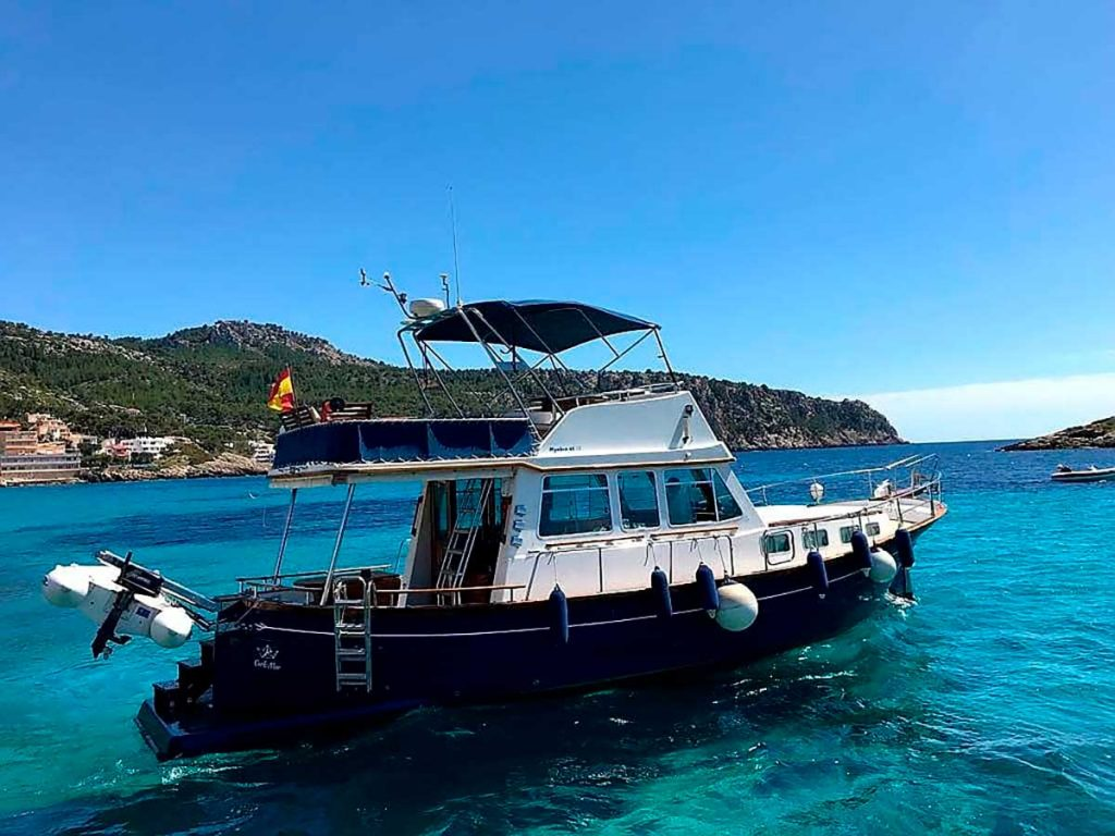 Enjoy-a-romantic-boat-trip-on-Mallorca