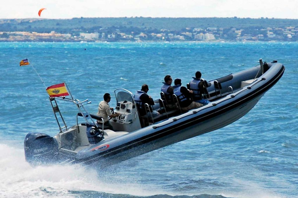 Exciting-speedboat-tour-on-Mallorca